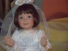 Very pretty First Communion Doll, Ashton Drake, good condition Porcelain Dolls For Sale, Ashton Drake, First Communion, The Ordinary, Flower Girl Dresses, Wedding Dresses, Pretty, Collection, Fashion