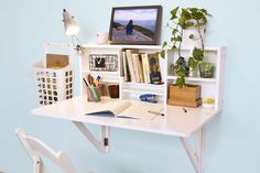 Folding desk in small home office - 33 photo examples- Klappschreibtisch im kleinen Home Office – 33 Fotobeispiele small home office set up small office table on the wall More - Wall Mounted Desk Folding, Folding Desk, Folding Walls, Folding Study Table, Wall Mounted Dining Table, Small Study Table, Study Desk, Wall Mounted Shelves, Bedroom Decor