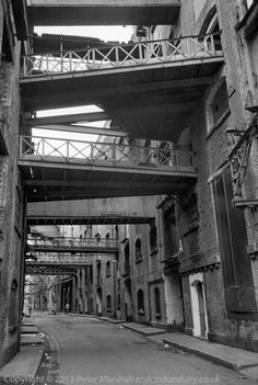 Shad Thames, 1981 This weekend there is a festival taking place in Shad Thames, though I doubt if I will have the time to go there, and to do so always makes me South London, Old London, Industrial Architecture, Gotham, Past, Landscapes, To Go, Shops, Urban