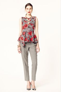 15 looks Resort 2014 que te inspirarán a crear tu look de oficina: Oscar de la Renta  http://www.glamour.mx/moda/look-del-dia/articulos/tips-de-moda-para-vestirte-con-estilo-en-la-oficina/1589