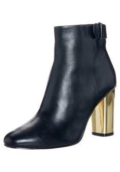 John Varvatos Shoes | Waverly Fleetwood Oxford Wingtip 95