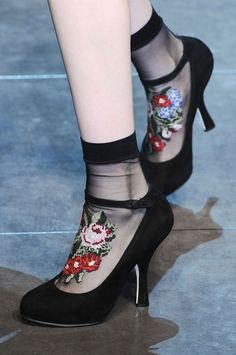 Dolce & Gabbana F 2012 Floral petit point embroidered sheer socks + black heels shoes Fashion Details, Look Fashion, Fashion Shoes, Womens Fashion, Fashion Trends, Milan Fashion, Dress Fashion, Sock Shoes, Shoe Boots