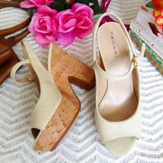 """Tahari Block Heels Sandals ☑Heel ht. 4.5"""" ❌No damage. ☑Reasonable offers or bundle 3 items or more to get 20% discount. ☑Same day shipping ☑FREEBIE ☑Packaging - your item is wrapped in a new gift tissue, placed in a new plastic shopping bag & topped with a thank you card. ☑Inquiries, questions and requests are welcome. ❌No paypal or trades Tahari Shoes Sandals"""