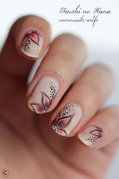 Beautiful short nail art ideas for beginners. Simple and easy nail art designs . Nail designs for creative nail polish trends. Most creative nail art designs. Floral Nail Art, Pink Nail Art, Feather Nail Art, Flower Nail Designs, Cute Nail Designs, Awesome Designs, Diy Nails, Cute Nails, Nail Nail