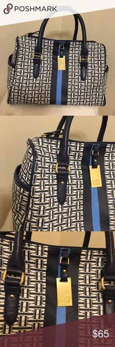 """Tommy Hilfiger Beautiful Purse ‼️Excellent condition‼️❤️ 13"""" wide 9"""" tall Tommy Hilfiger Bags Travel Bags"""
