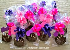 My Baby Bear Claw Cookie Favors are delicious fudgey cookies with almond slivers for toenails that are packaged with bright bows and glitter hearts! Best Party Food, Party Food And Drinks, Gourmet Cookies, Healthy Cookies, Easter Nail Art, Decadent Cakes, Bear Claws, Yummy Treats, Delicious Desserts