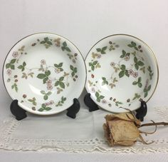 Set of 2 Wedgwood Wild Strawberry Bone China Cereal Bowls 22 carat Gold Rim - England by Anaforia on Etsy