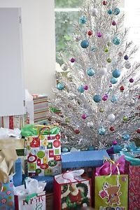 pics+of+aluminum+Christmas+trees | Details about Evergleam Aluminum 6ft. Christmas Tree Vintage Deluxe 94 ...