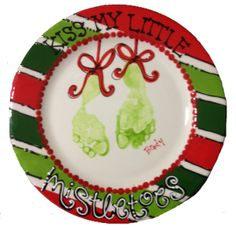 kissmy little mistletoes. can't do this class at As You Wish, but thinking this would be cute to do on a little square canvas - - - I think a trip to Hobby Lobby is in order! Christmas Plates, Christmas Crafts For Kids, Christmas Art, Holiday Crafts, Holiday Fun, Christmas Ideas, Xmas, Kids Painting Projects, Craft Projects For Kids
