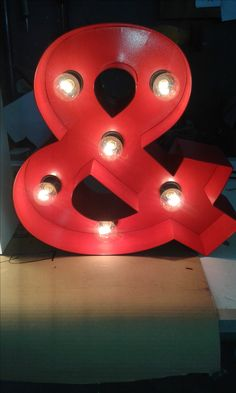 Sign Lighting, Door Signs, Birthday Candles, Diy, Ideas, Bricolage, Do It Yourself, Thoughts, Homemade