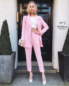 summer outfits women casual fashion ideas street styles, spring outfits women style inspiration, summer style inspiration color combo Source by Pink Outfits, Mode Outfits, Classy Outfits, Office Outfits, Casual Outfits, 20s Outfits, Heels Outfits, Office Attire, Classy Dress