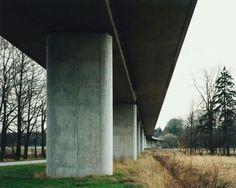 Hans-Christian Schink, ICE-Strecke bei Gardelegen, aus: VDE (Verkehrsprojekte Deutsche Einheit), 2000, C-Print/Diasec, 178 x 211 cm und 121 x 143 cm, Auflage 5 + 3
