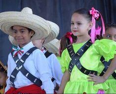 Adelita y Juan 2015 en primaria de Nava1
