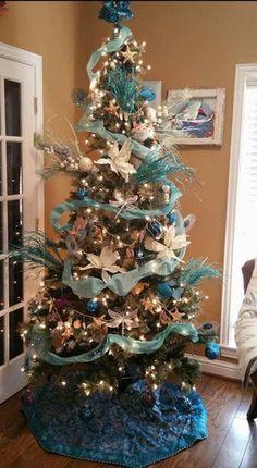Everything Coastal.: Coastal Christmas Trees - Part 2 Beach Christmas, Coastal Christmas, Beach Holiday, Holiday Tree, Christmas Tree Decorations, Christmas Gifts, Christmas Trees, Tropical, Seasons