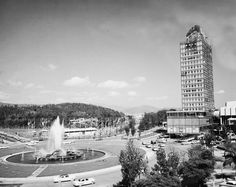 Década 50. Panorámica de la fuente Plaza Venezuela de Caracas.  Foto: Cortesia Vasco Szinetar