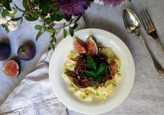 Glutenfreie Nudeln mit Pilzen, Feigen und Speck