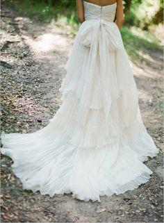 Such a gorgeous photo -- Via Wedding Chicks // Photography: Lane Dittoe // Dress: Lindee Daniel