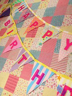 ※ 画像は参照です。POPにパーティー!HAPPY BIRTHDAYの文字入りガーランド♪ネオンピンクのプリント文字を刺繍で縁取り!HAPPYとBIRTHDA...|ハンドメイド、手作り、手仕事品の通販・販売・購入ならCreema。