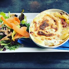 The best thing about skiing tartiflette mmmmmm #tartiflette #frenchquisine #3vallees #skiing