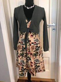 Sewing, Floral, Skirts, Fashion, Moda, Dressmaking, Couture, Fashion Styles, Skirt