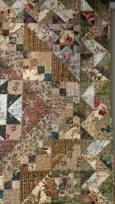 Blended Quilt Warm tans and greens Wall Hanging Sofa Quilt Quilts Vintage, Vintage Quilts Patterns, Scrap Quilt Patterns, Antique Quilts, Vintage Fabrics, Vintage Sewing, Star Quilts, Scrappy Quilts, Amish Quilts