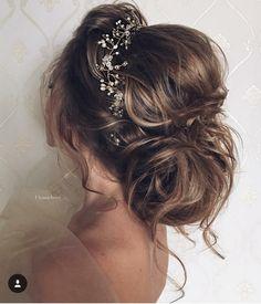coque soltinho maravilhoso para uma noiva ou até mesmo para as madrinhas
