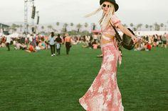 Galeria de Fotos Branco, listras e muitos shorts jeans: veja os looks do primeiro finde do Coachella // Foto 5 // Notícias // FFW