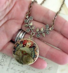 Art Nouveau Locket Necklace by chloesvintagejewelry on Etsy