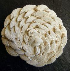 sculptures-textile-de-Simone-Pheulpin-2