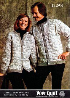 Meldal i Peer Gynt eller Smart, gratisoppskrift på sandnesgarn. Vintage Knitting, Hand Knitting, Norwegian Knitting, Knitting Designs, Knitting Ideas, Sweater Cardigan, Knitwear, Free Pattern, Knit Crochet