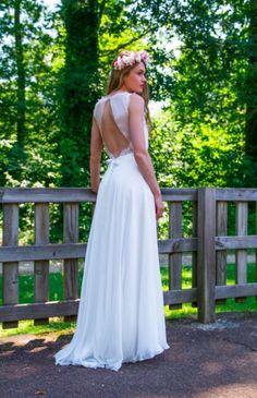 Robe de mariée 2017-2018 : Robe de mariée ouverte dans le dos, sans maches, parfaite pour un mariage en été, signée Adeline Bauwin