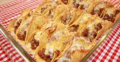 I have always been one of those people who switches between soft and crunchy tacos. It started with me only liking crunchy tacos when I was very young. Then I finally had a soft taco, and that̵… Easy Healthy Recipes, Great Recipes, Easy Meals, Favorite Recipes, Simple Recipes, Diabetic Recipes, Italian Recipes, Mexican Food Recipes, Taco Bake