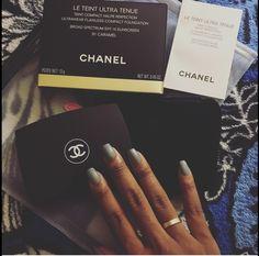 Chanel La tient ultra tenue powder foundation. Love this stuff! #chanel #latientultratenue #cartierlove