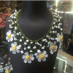 Bead Crafts, Jewelry Crafts, Jewelry Art, Handmade Jewelry, Women Jewelry, Crochet Bracelet, Crochet Earrings, Crochet Designs, Crochet Patterns