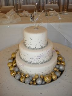 New years Eve wedding cake
