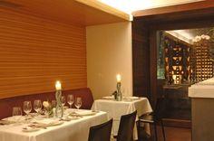 Encuentra las mejores ideas e inspiración para el hogar. Restaurante Jaso por Serrano Monjaraz Arquitectos | homify