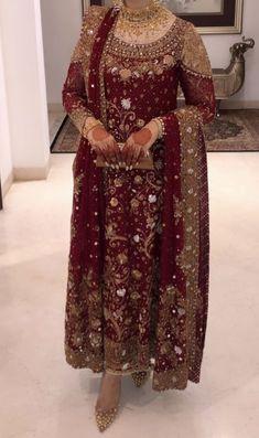 Vintage Fashion Tips Pakistani Bridal Couture, Pakistani Fashion Party Wear, Pakistani Wedding Outfits, Pakistani Dresses Casual, Indian Bridal Fashion, Pakistani Dress Design, Indian Bridal Outfits, Stylish Dresses For Girls, Stylish Dress Designs