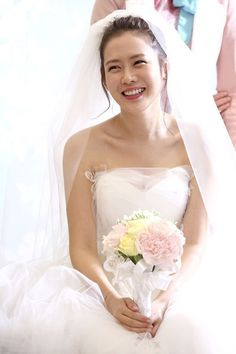 The latest Shark stills to come out reveal what many of us have already seen in the teasers: Son Ye Jin in her wedding dress and an expression of sadness and shock marring her pretty face. Korean Beauty, Asian Beauty, Star Wedding, Stunning Wedding Dresses, Chinese Actress, Korean Actresses, Korean Actors, Asian Girl, One Shoulder Wedding Dress