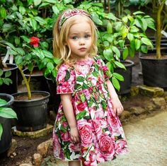 Between the ages of two and five, your son or daughter will start to truly show his or her own personality in everything from favorite books to what clothes to wear. Girl Fashion Style, Baby Girl Fashion, Kids Fashion, Fashion Ideas, Beautiful Children, Beautiful People, Young Fashion, My Little Girl, Kids Wear