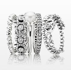 Pearls and silver is a must for the new season #PANDORAring