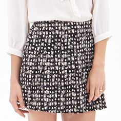 High waisted pleated skirt Abstract pleated skirt. Dark navy and cream. Slimming in the waist Skirts Mini