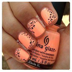 Image via nail art orange Nail Art Orange, Orange Nails, Orange Pink, Love Nails, Fun Nails, Pretty Nails, Leopard Print Nails, Peach Nails, Prego