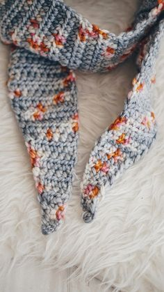 TIPPED CROCHET SCARF PATTERN WITH DELICIOUS YARNS