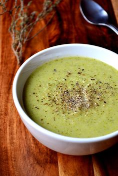 Broccoli and Pea Soup - frugal feeding
