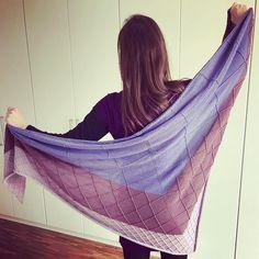 """Gefällt 66 Mal, 11 Kommentare - Marie (@maschenmarie) auf Instagram: """"Geschafft! #Skya #maschenfein #knitting"""" Knitting, Instagram Posts, Fashion, Scarf Head, Tricot, Wardrobe Closet, Knitting And Crocheting, Nice Asses, Moda"""