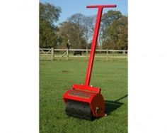 12 inch Hand operated sorrel roller. Towable field rollers to maintain your horse paddock, can also be use for garden lawns. Field rollers ensure healthy grass growth for good paddock maintenance. For more info: http://www.fresh-group.com/field-rollers.html