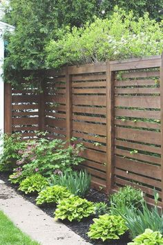 68 Simple DIY Backyard Privacy Fence Design Ideas - Page 9 of 66 Privacy Fence Landscaping, Wood Privacy Fence, Privacy Fence Designs, Backyard Privacy, Diy Fence, Backyard Fences, Garden Fencing, Backyard Landscaping, Fence Ideas