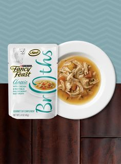 Fancy Feast Broths just got more Enjoy a bowl with the addition of Chicken. Click here to #trya bowl on us: wowserveddaily.com