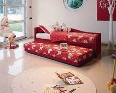 Abziehbett-Kinderbett-gepolstert-Rote-bettwäsche