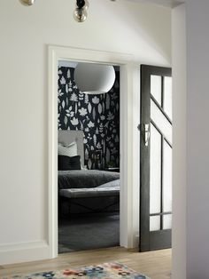 House & Apartment: ALH Resident, Excellent Home Redecoration by Mim Design. Dark Nuance of Bedroom Design with Wall Art